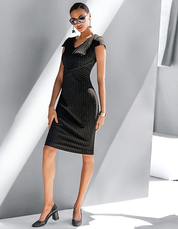 low priced fcb53 f786b Elegante Kleider für stilvolle Auftritte bestellen ...