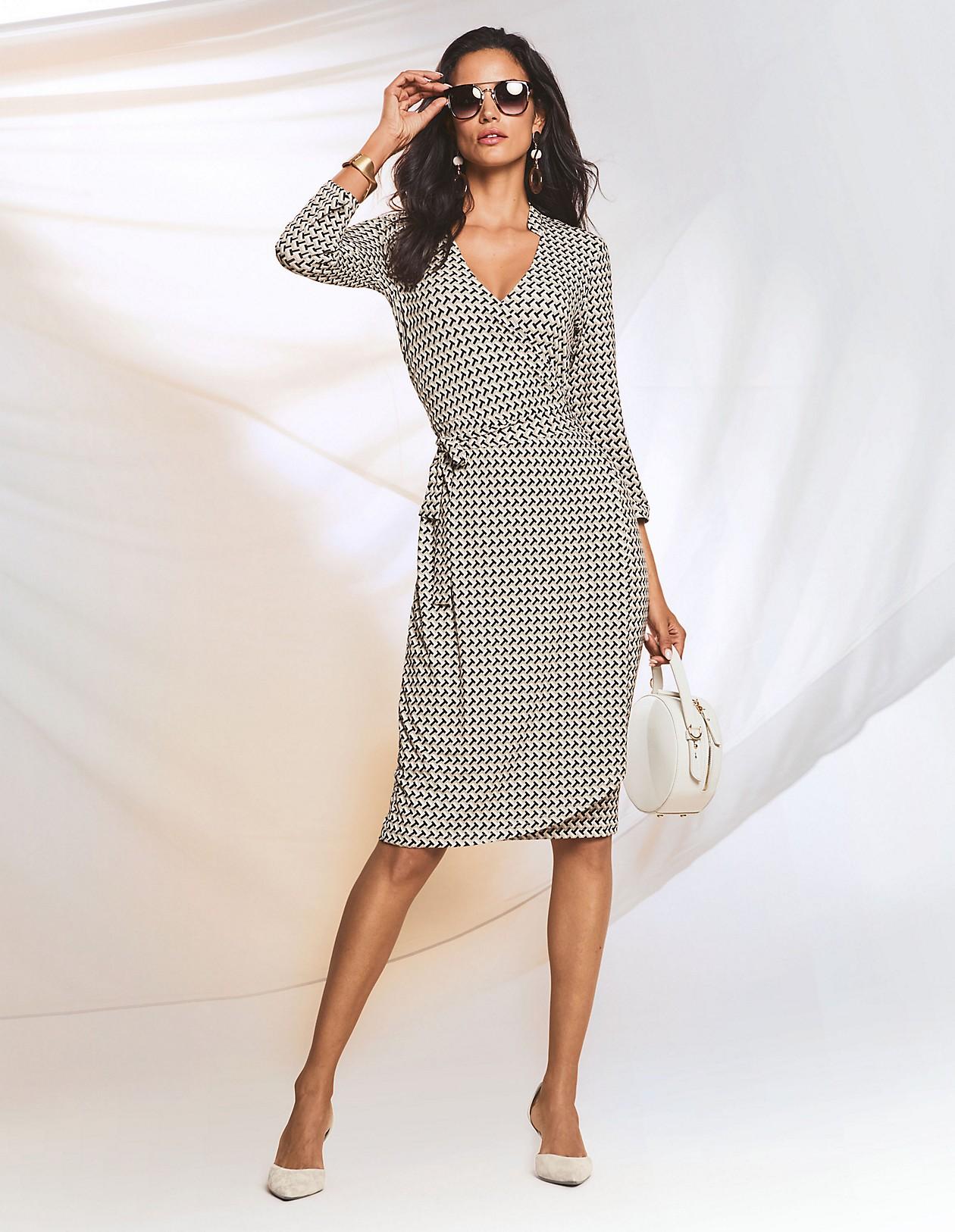 Jerseykleid in Wickelform, wollweiß/multicolor, hellbraun, weiß