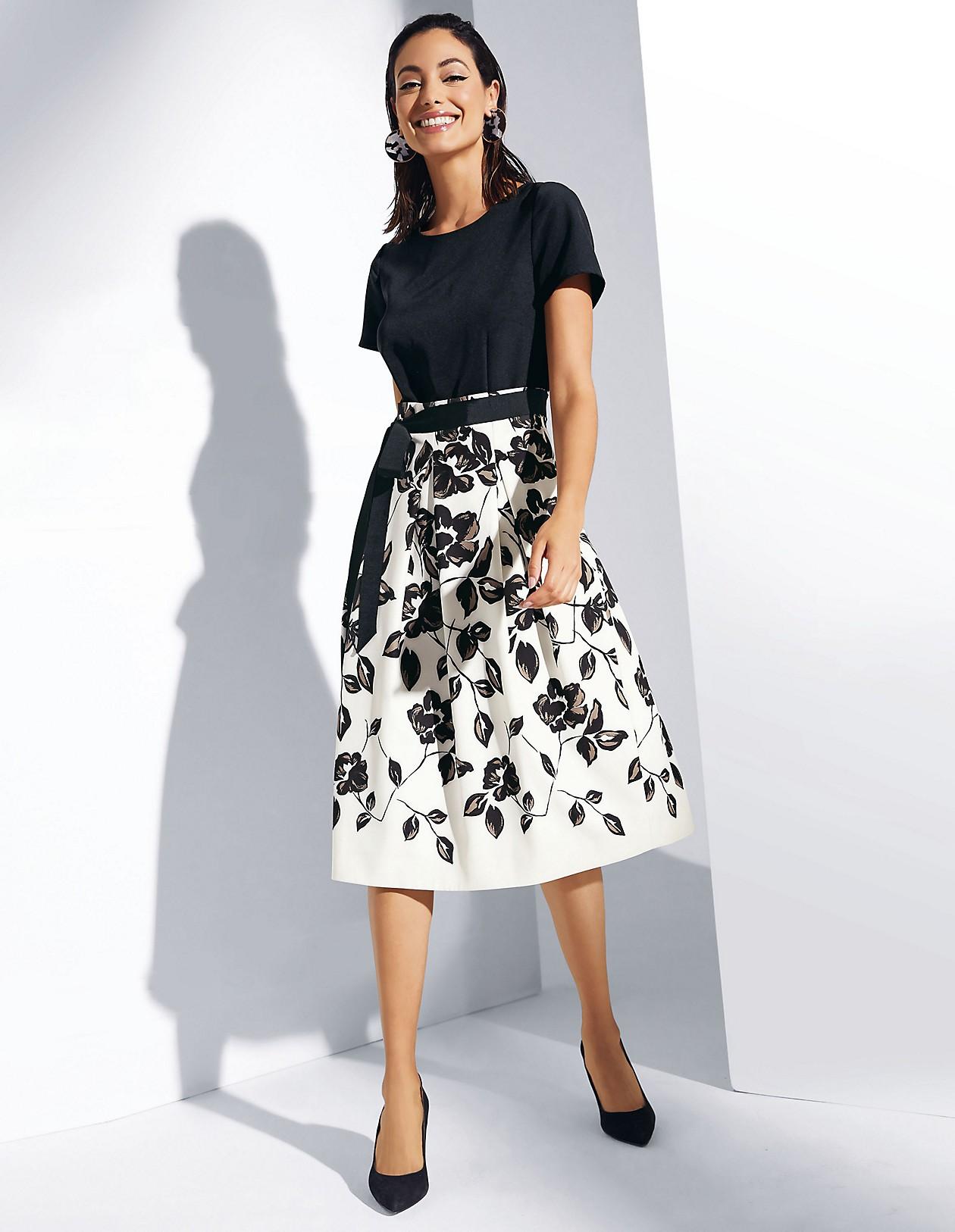 Kurzarm-Kleid im Zweiteiler-Look, schwarz/wollweiß/caramel