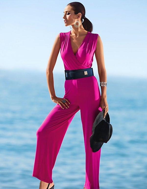 de4b80f50c0580 Festliche Jumpsuits und elegante Overalls für Damen | MADELEINE Mode